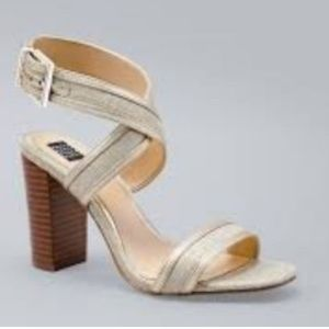 New WHBM Linen Gold Stacked Block Heels